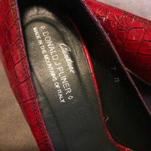 Couture Donald J Pliner Peep Toe Croc Red Heels 7M